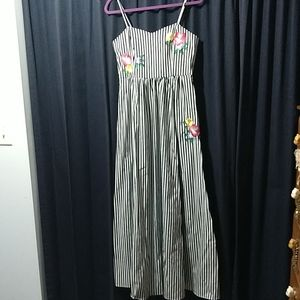 Belle Badgley Mischka maxi dress with pockets